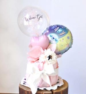 【出産祝い】カスミ草ミニバンチ付き Welcome Girl おむつケーキ【送料込み】
